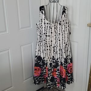 Jones Wear Dresses - SALE NWOT Black and White Floral Dress.